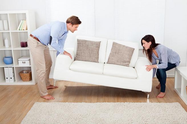 Лесният начин за преместване и изхвърляне на стари мебели