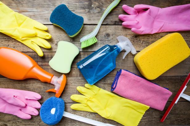 Навици и транспорт при почистване на стара къща